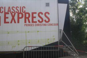 """Classic Express op 22 juni 2016 voor Basisschoolleerlingen in een """"Rijdende oncertzaal."""